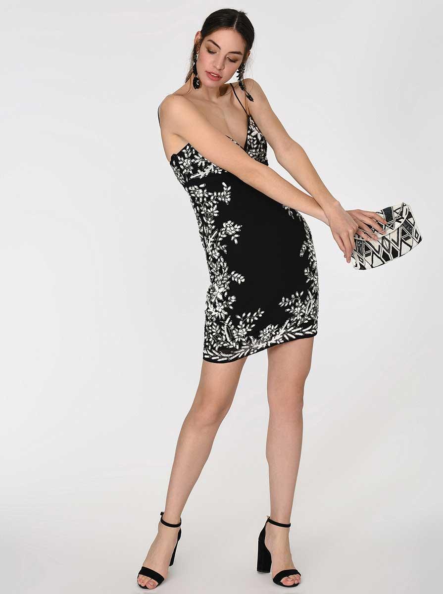 Boncuk İşlemeli Siyah Abiye Elbise