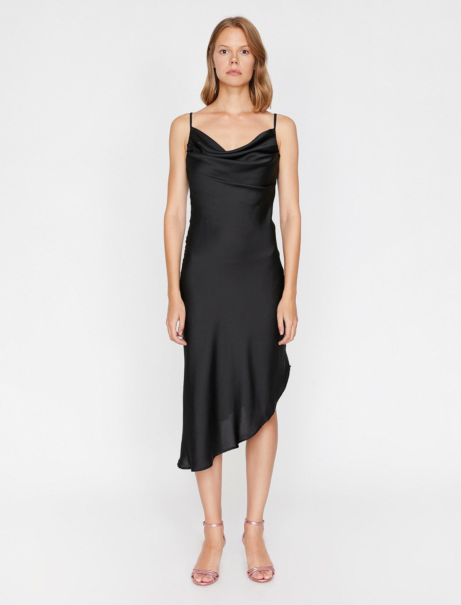 Kolsuz Siyah Elbise
