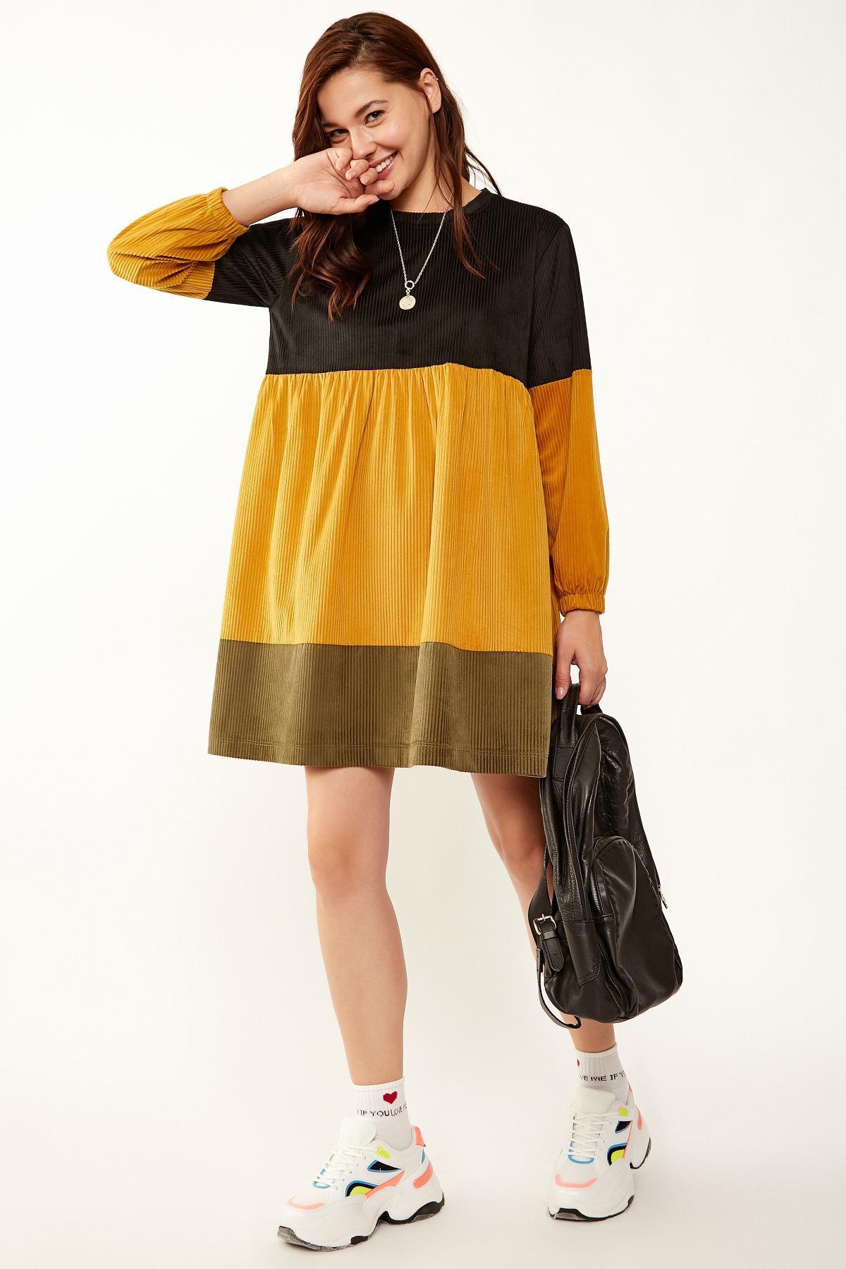 Renkli Kadife Elbise