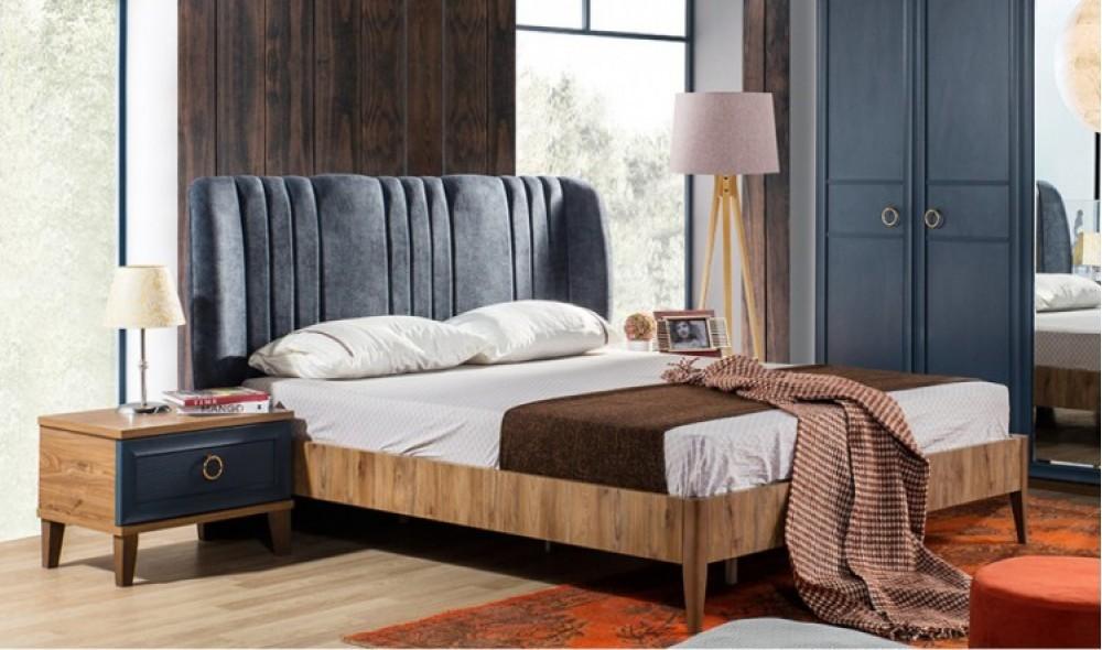 Angela Yatak Odası