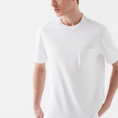 Cepli Beyaz Tişört