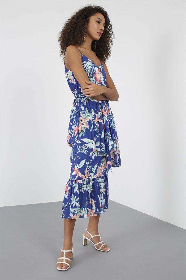 Mavi Yaka Kuşaklı Diz Altı Midi Boy Floral Desen Elbise 1